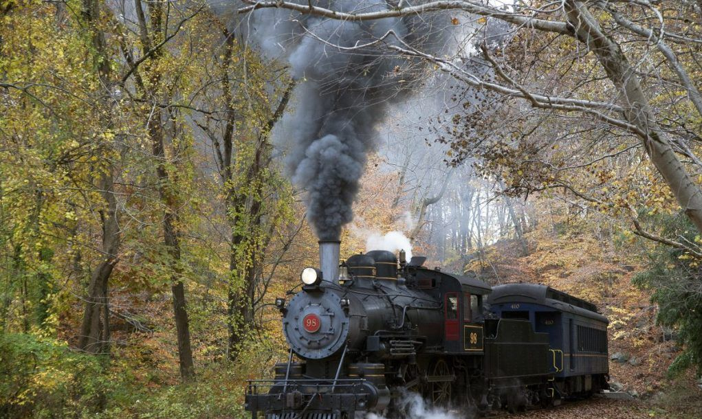 scenic steam engine train ride