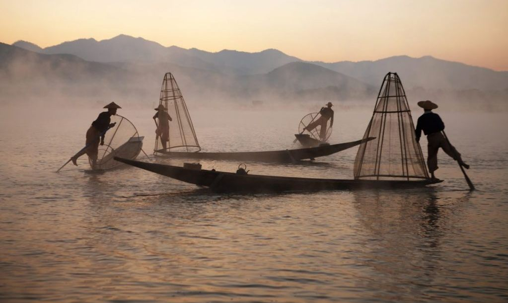 fishermen inle fishing