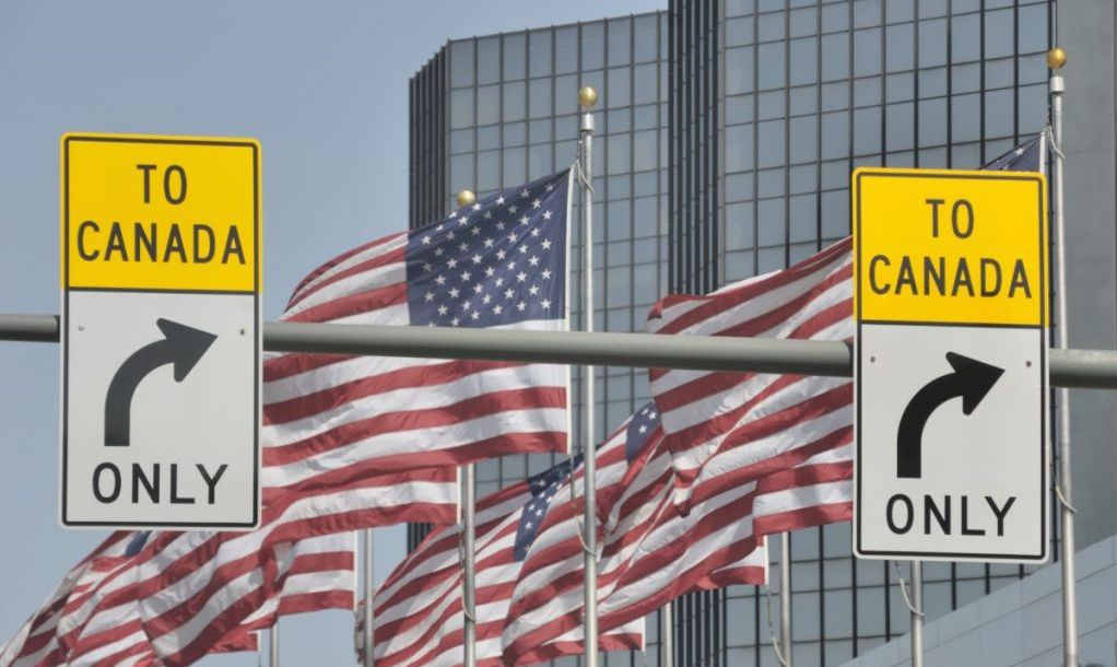 Signs on U.S./Canada border