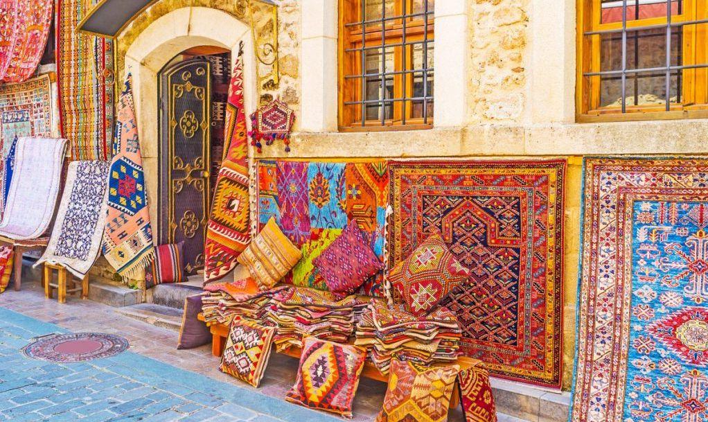 shopping bazaar handmade souvenirs