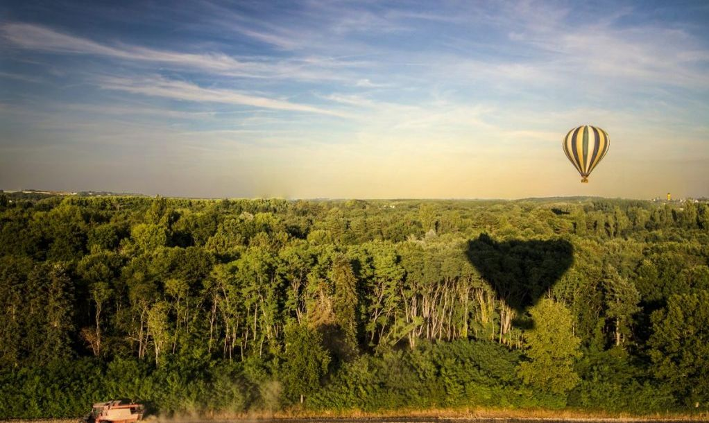 hot air balloon loire valley