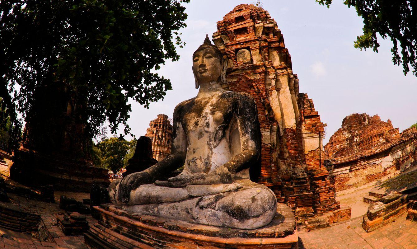 Buddha statue at Wat Phra Mahathat in Ayutthaya
