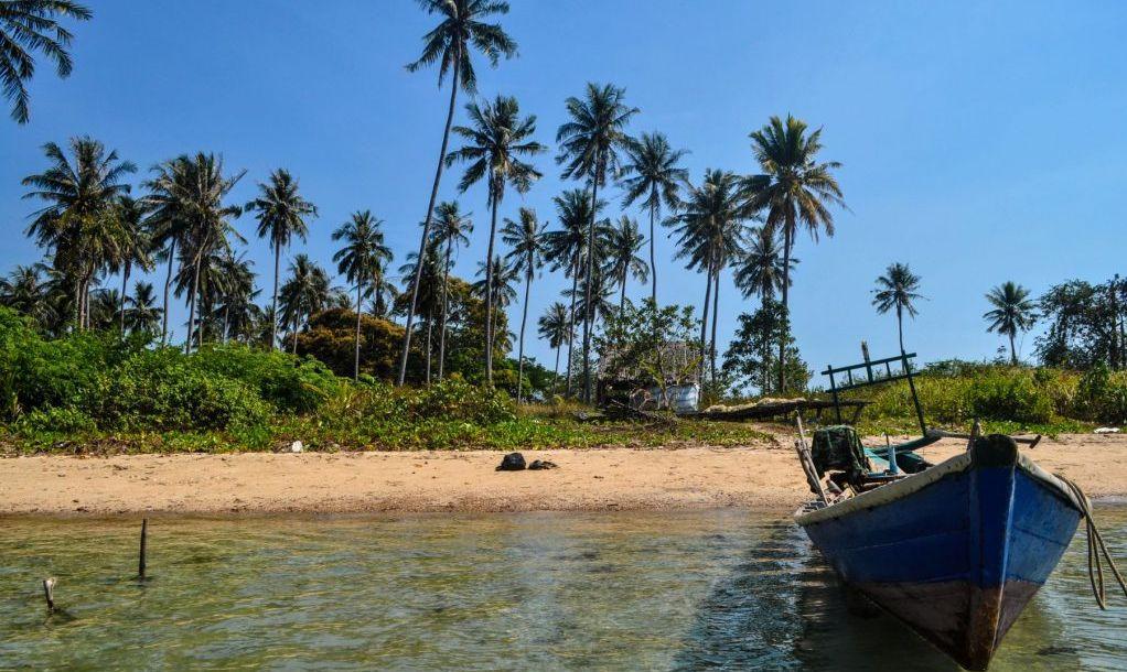 koh tonsay rabbit island beach