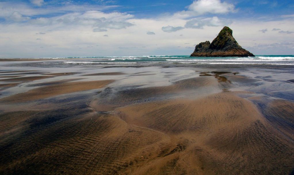 Black sand and rocks, Karekare Beach, New Zealand