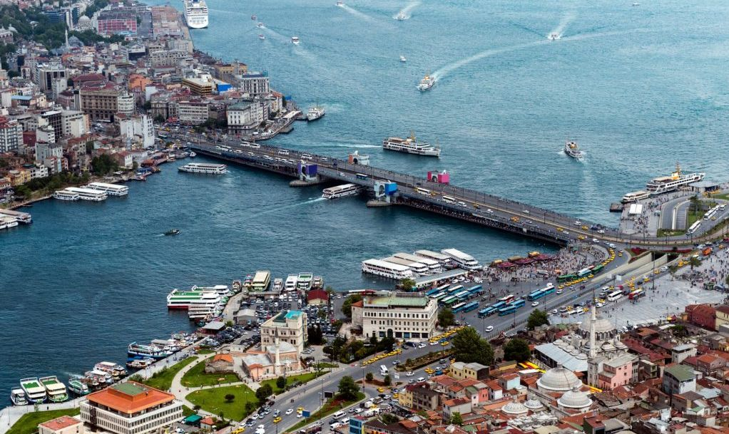 Galata Bridge in Eminonu, Istanbul, Turkey.