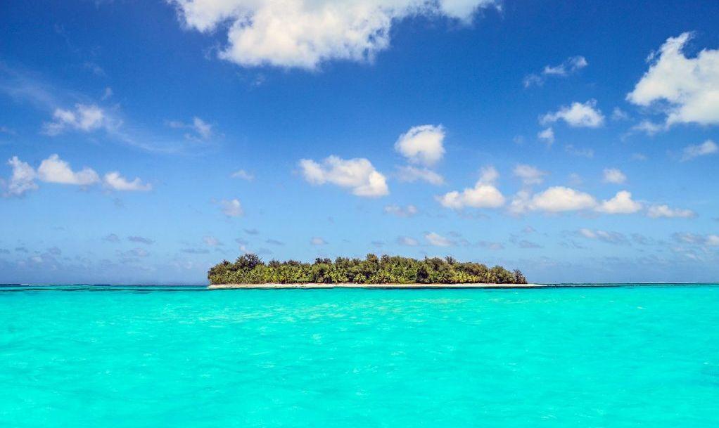 Island in the western Pacific Ocean near Saipan