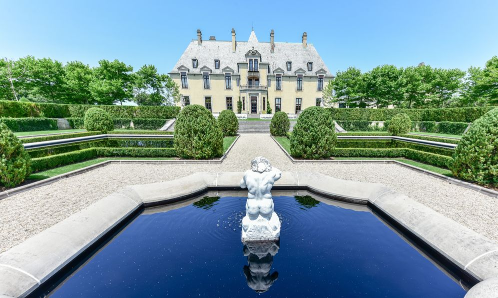 Oheka Castle in Huntington, New York. One of many among the Gold Coast Mansions of Long Island