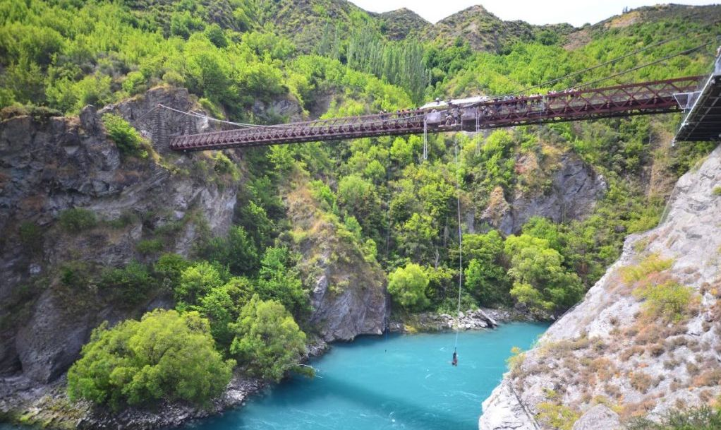 Bungee jumping at Kawarau Bridge