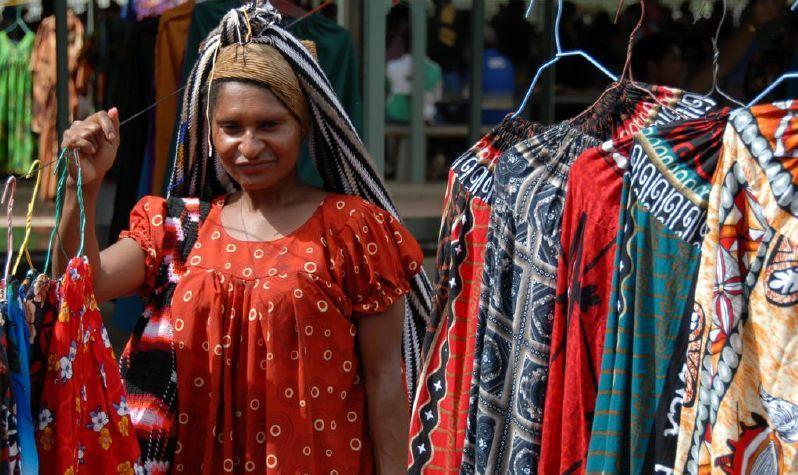 Meri blouse vendor in Mt Hagen Market, PNG.