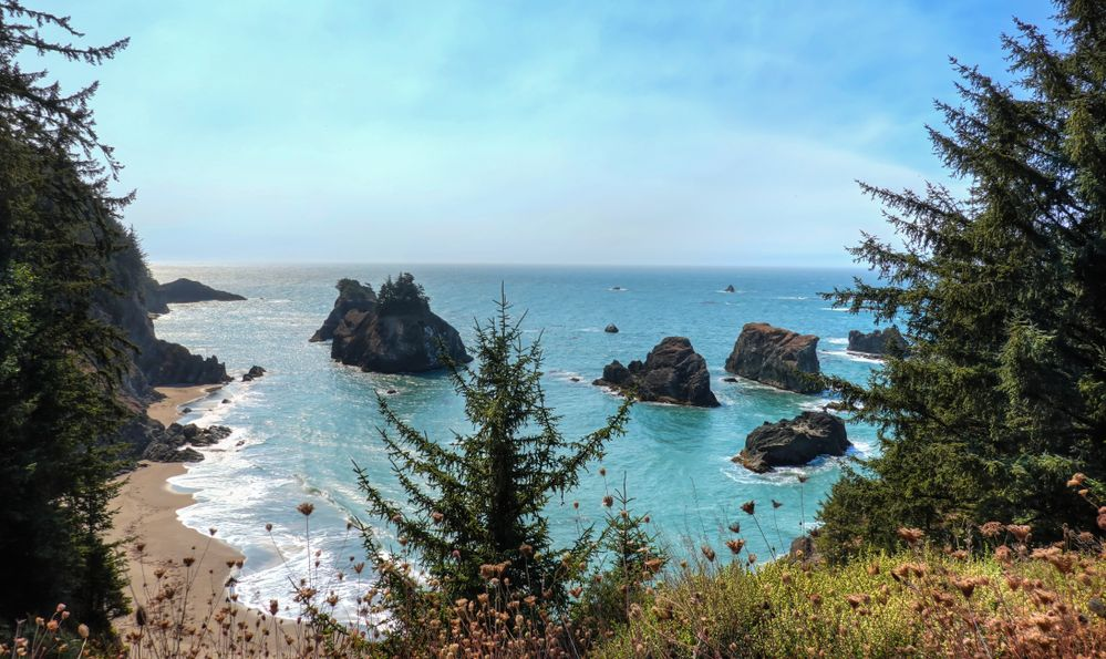 The beautiful Secret Beach in Samuel H. Boardman State Scenic Corridor
