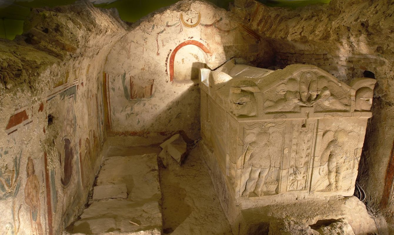 Unique Early Christian sepulchral art and architecture of the northern and western Roman provinces