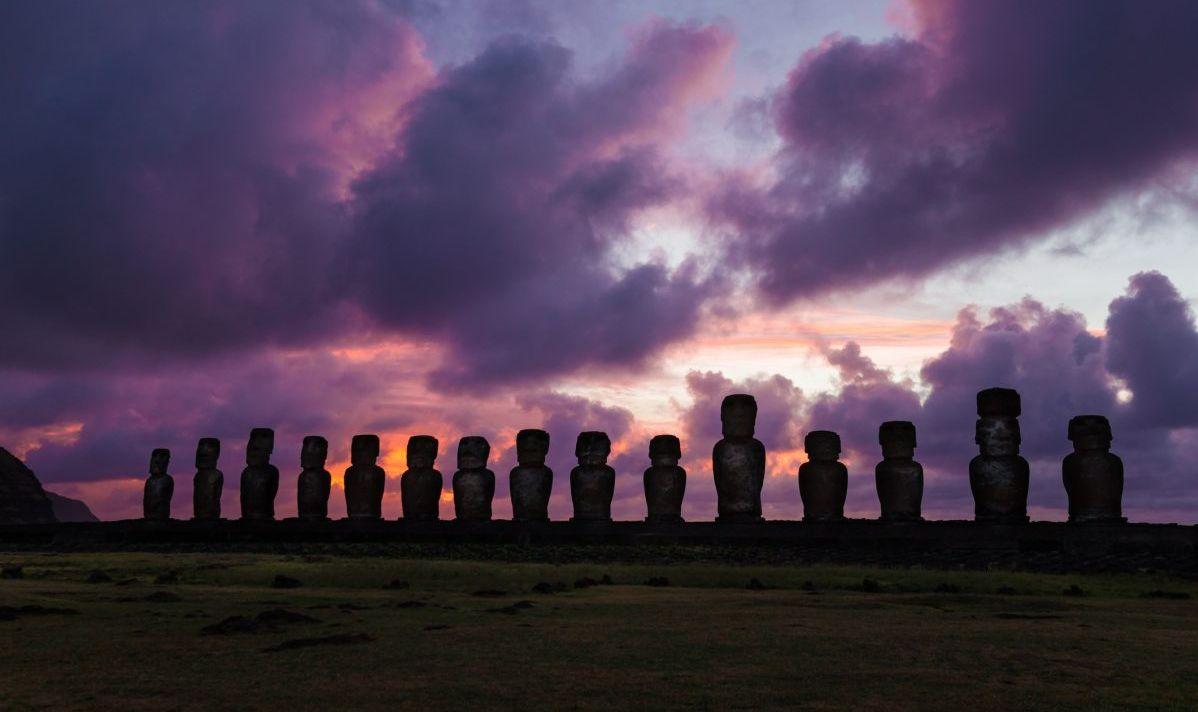 sunrise at ahu tongariki easter island