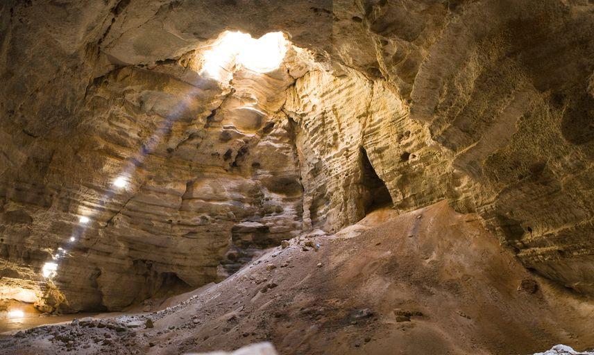 Majlis al Jinn cave in Oman