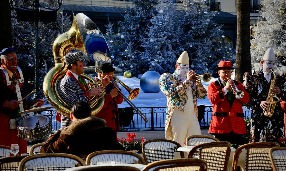 Monte Carlo, Monaco-January 14, 2015: Circus artists on the streets of Monte Carlo.