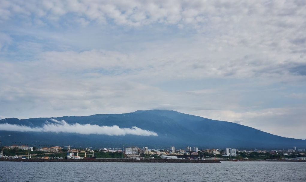 https://www.gettyimages.com/detail/news-photo/view-of-malabo-from-the-san-valentine-ferry-on-august-19-news-photo/1045599624?adppopup=true