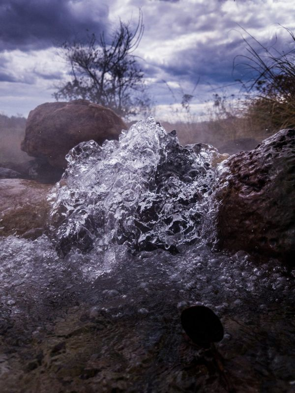 An image of a hot spring in Africa but it doesn't identify itself as Kapishya.