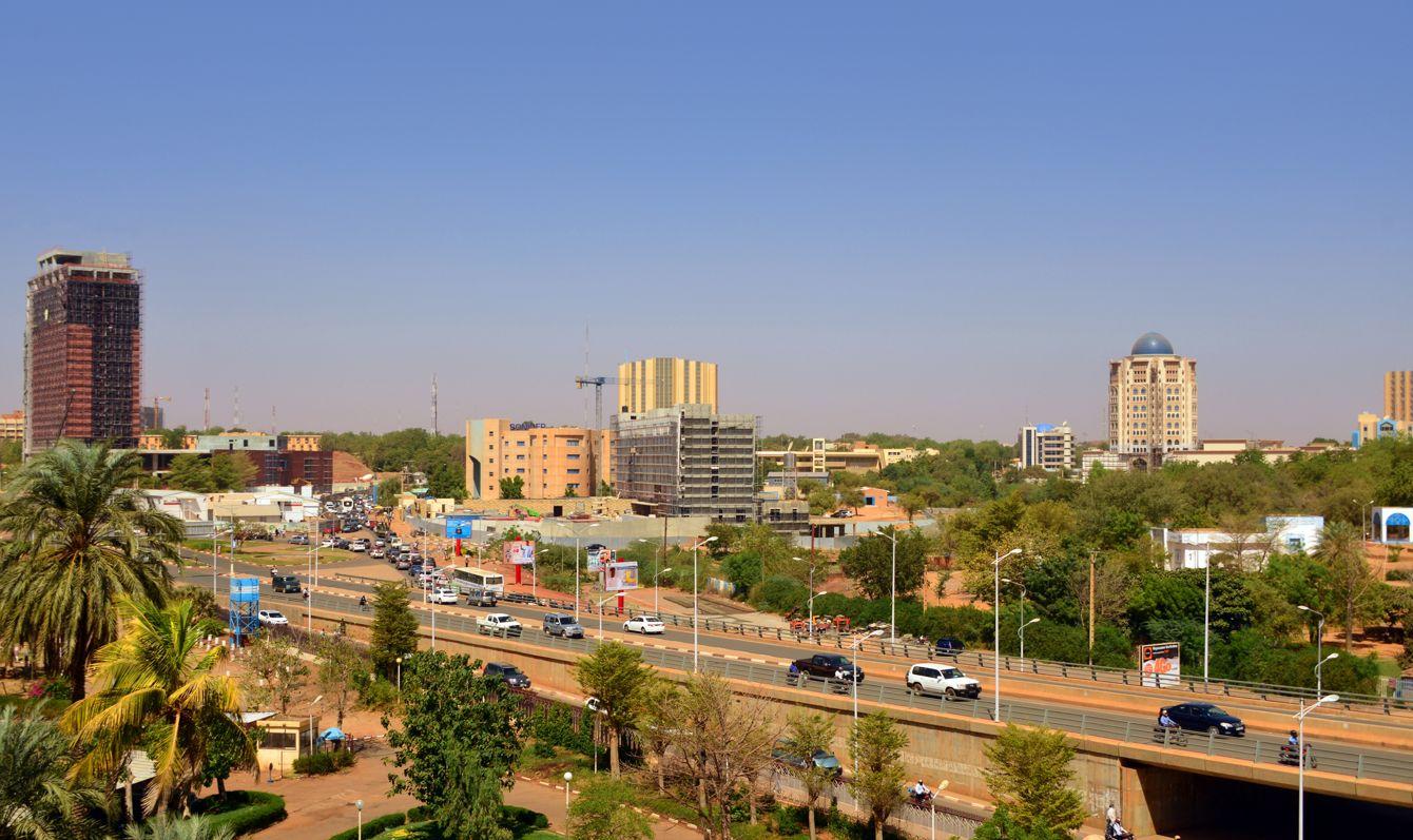Niamey skyline from François Mitterrand avenue, Niger