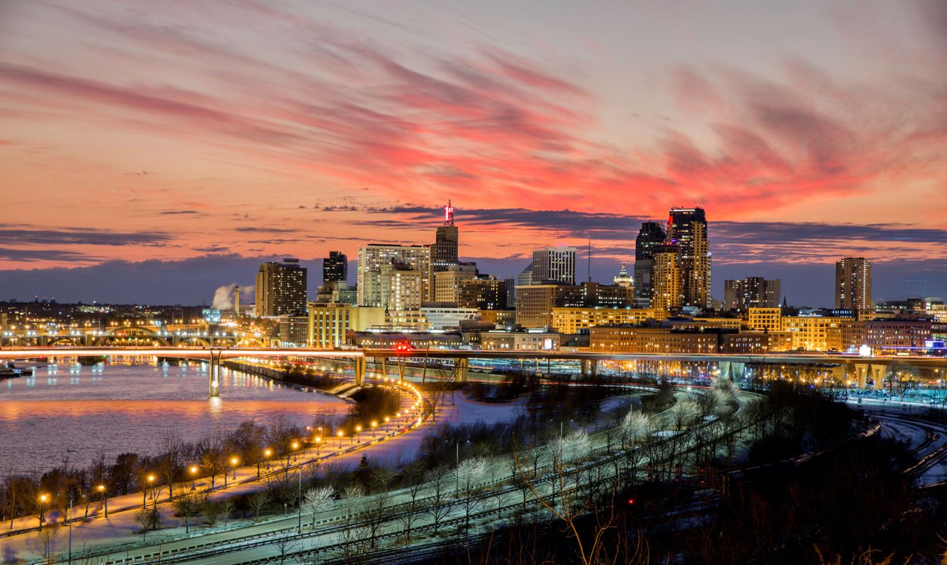 Saint Paul, Minnesota - Skyline at Dusk - City Lights