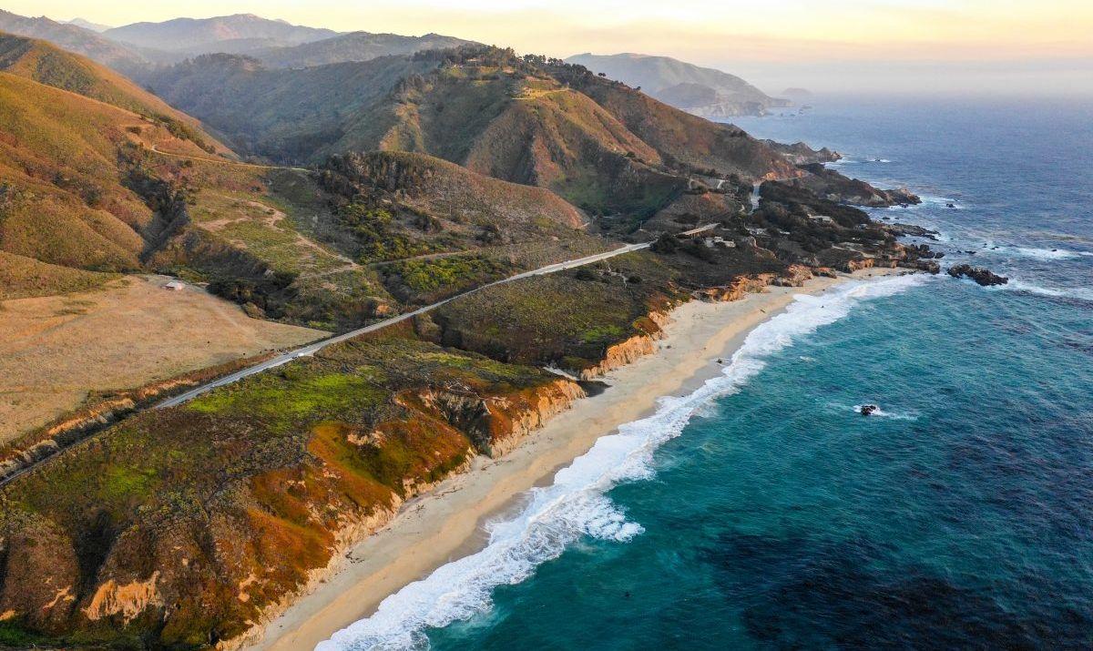 big sur shoreline pacific coast
