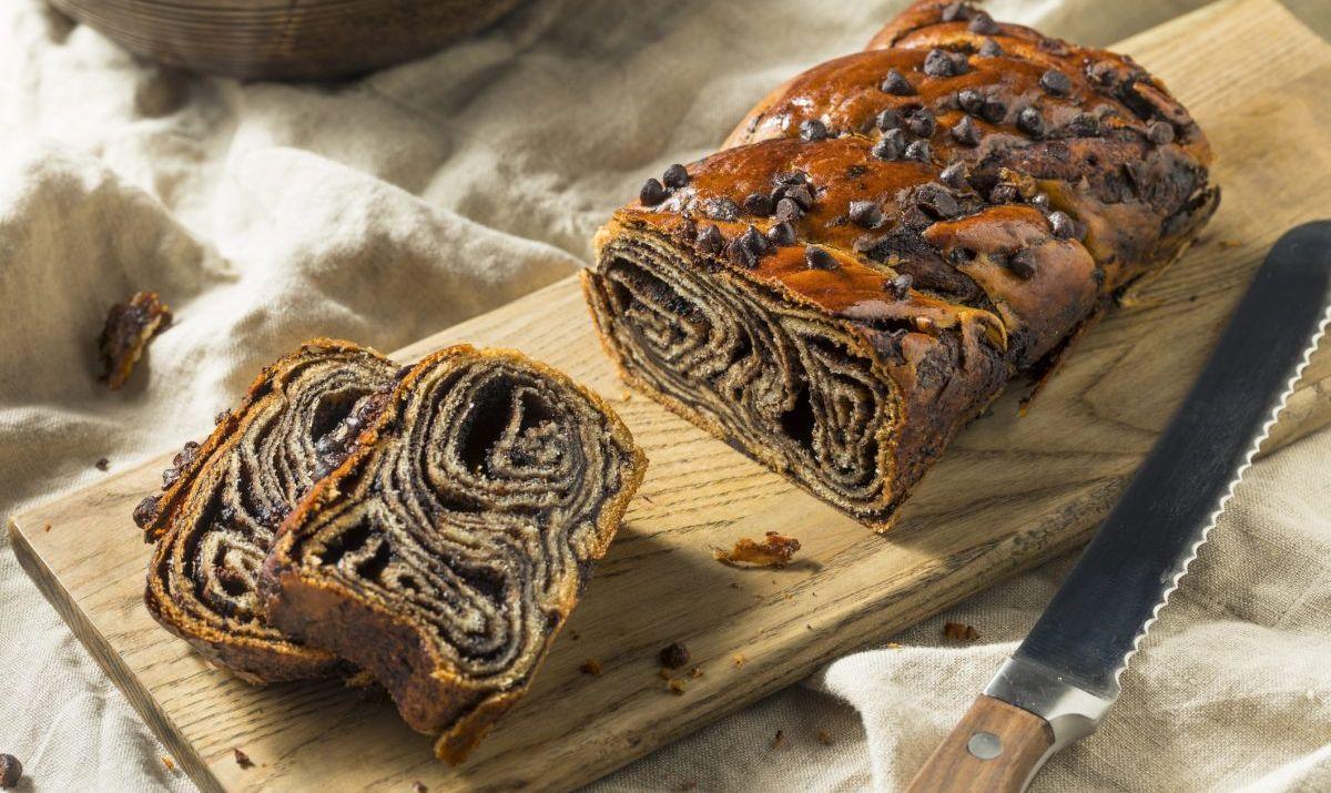 homemade chocolate babka