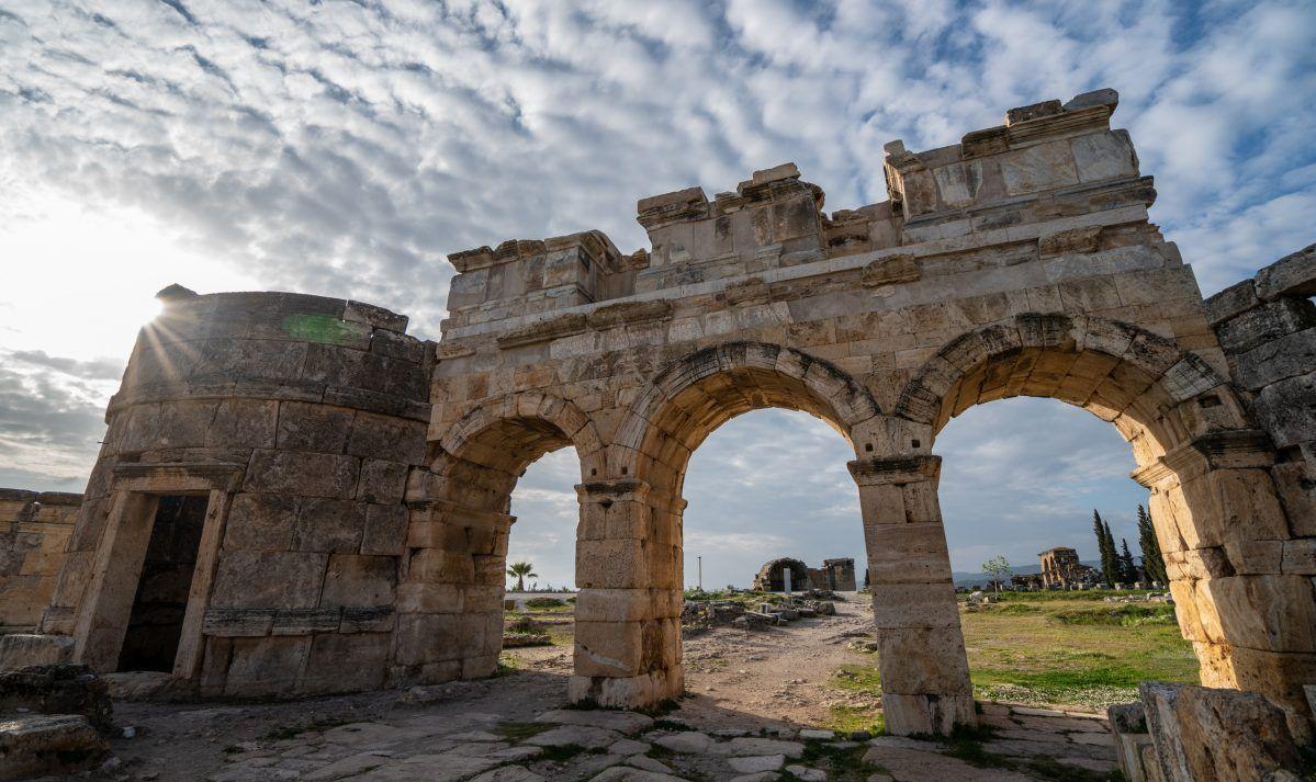A shot of the famous Hierapolis ruins