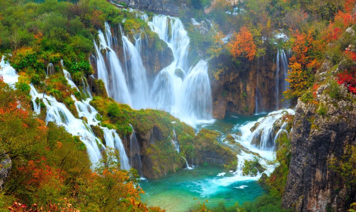 The Great Waterfall as the colors of autumn set in