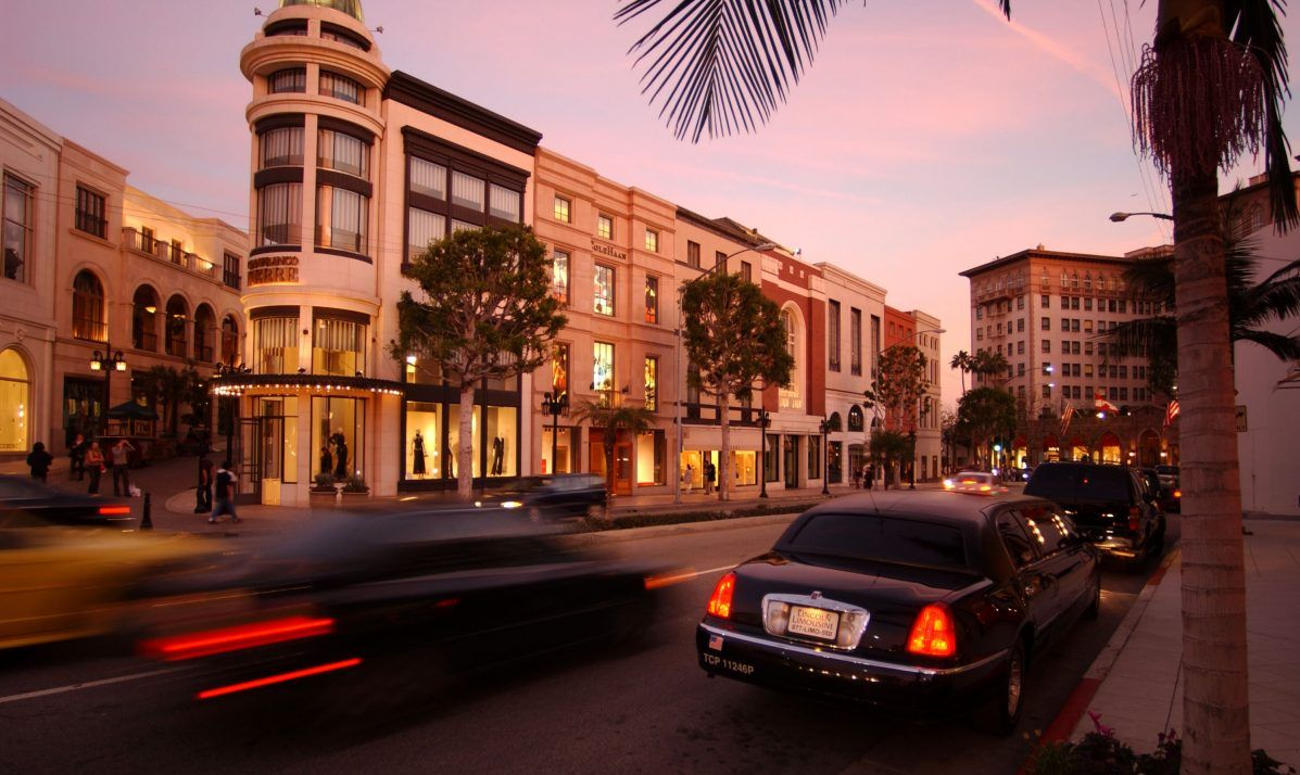 Traffic zooming along at Rodeo Drive