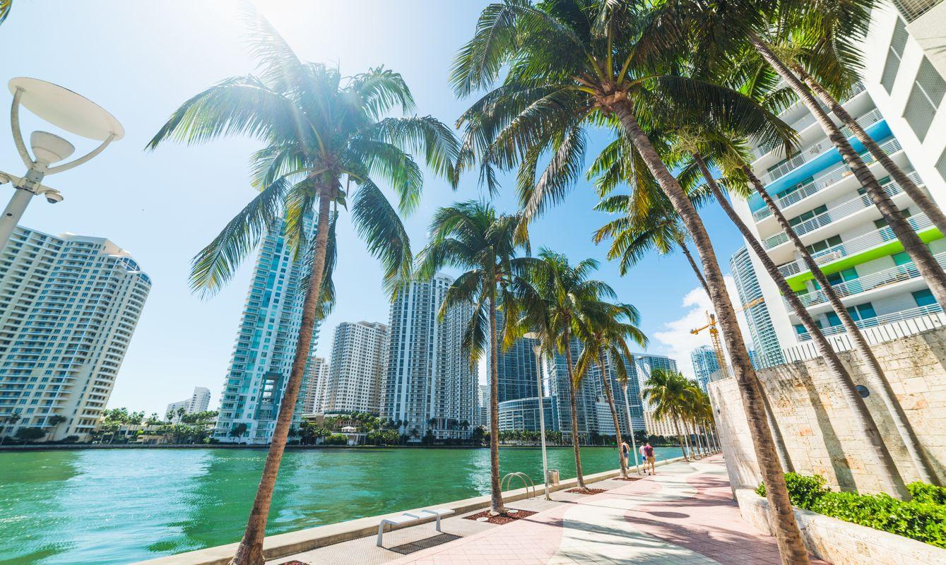 Sun shining over Miami Riverwalk