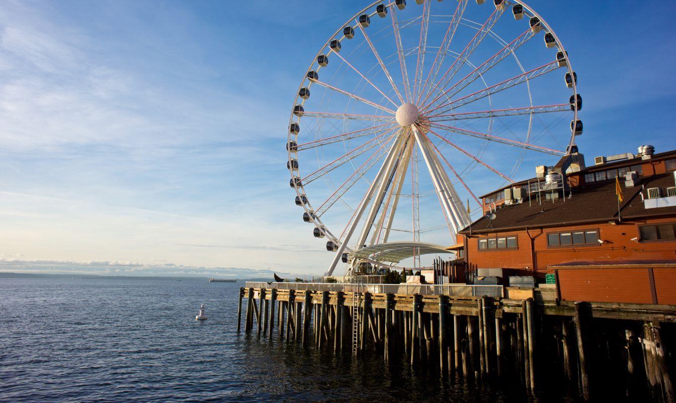 Seattle's Ferris Wheel on Pier