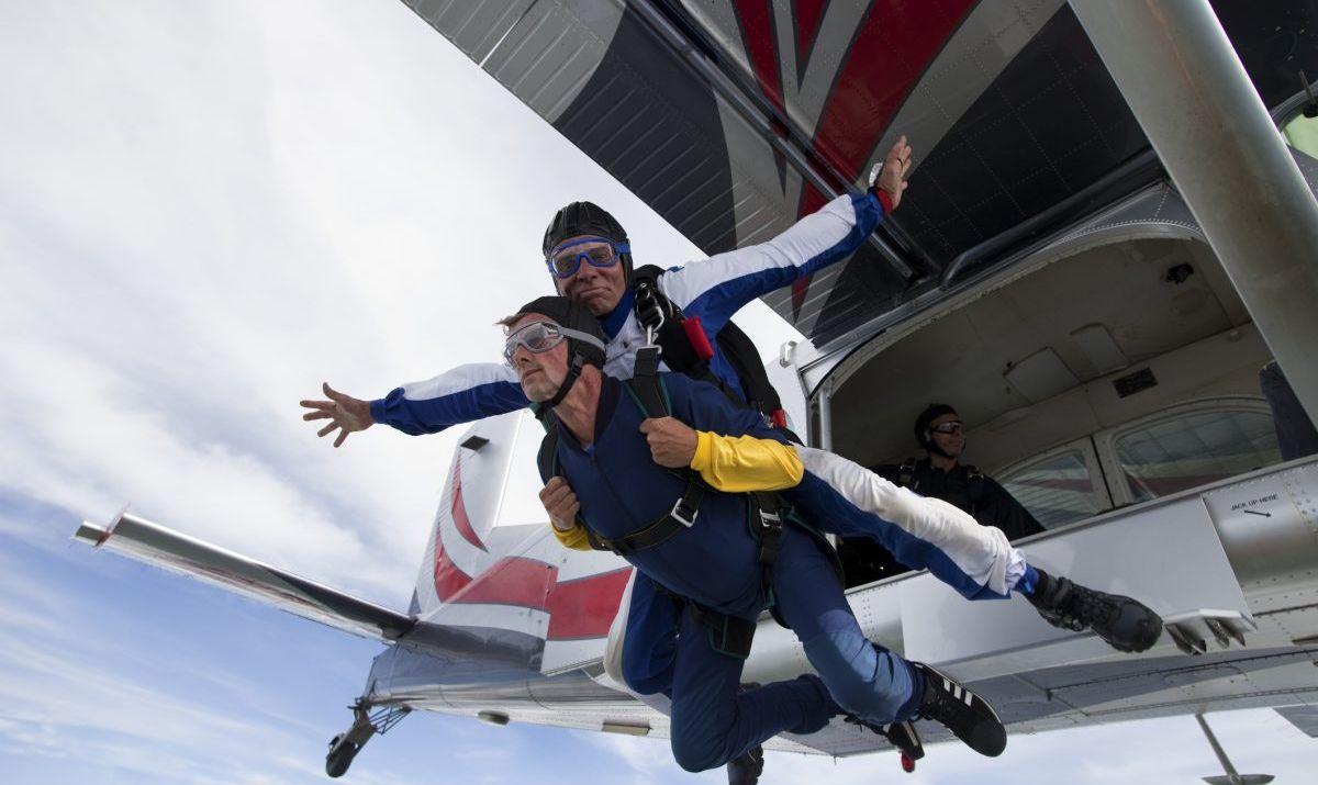 skydiving adrenaline tandem