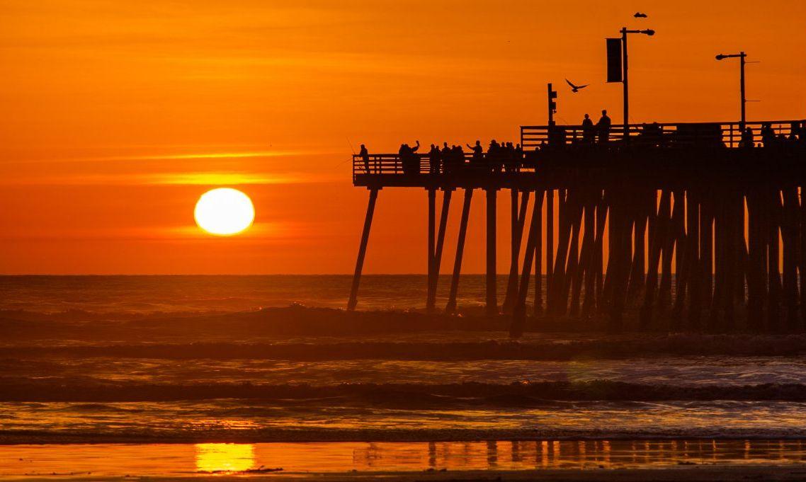 pismo beach pier sunset