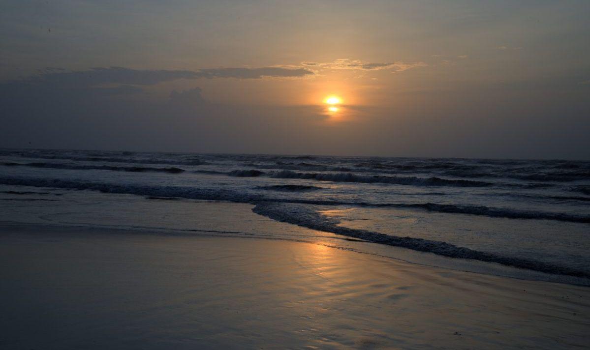 malaquite beach sunrise