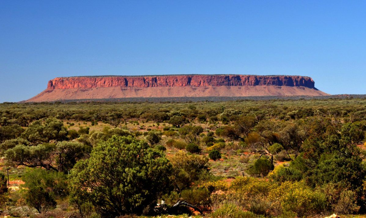 "Mount Connor, also known as ""Fooluru"" for its confusing similarity to Uluru"