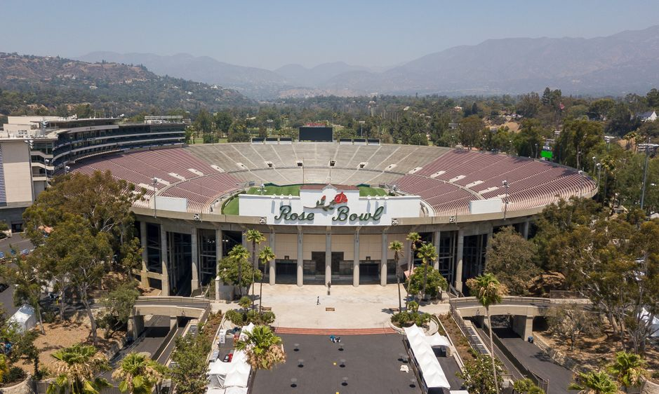 The Rose Bowl is a United States outdoor athletic stadium, located in Pasadena, California, a northeast suburb of Los Angeles.