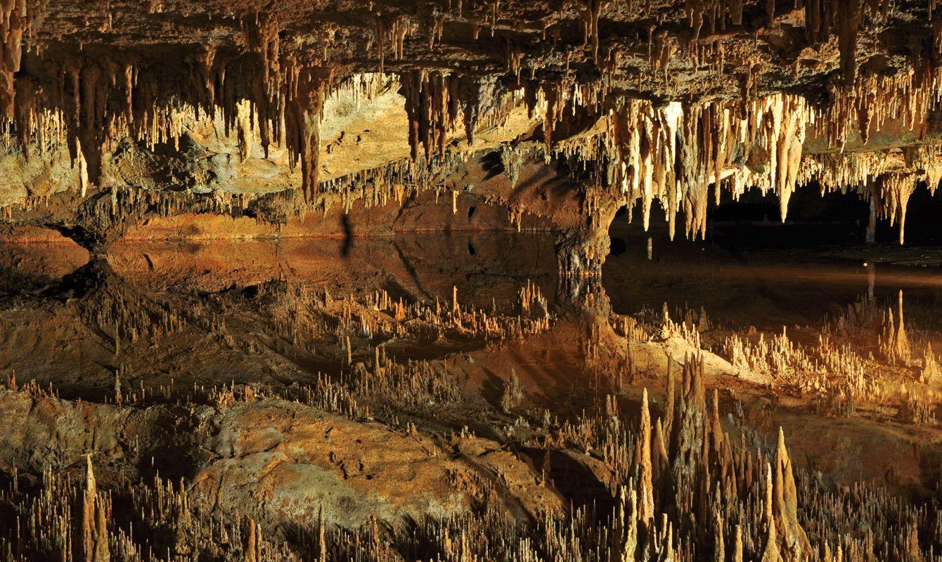 """Dream Lake in Luray Caverns, Virginia, USA."""