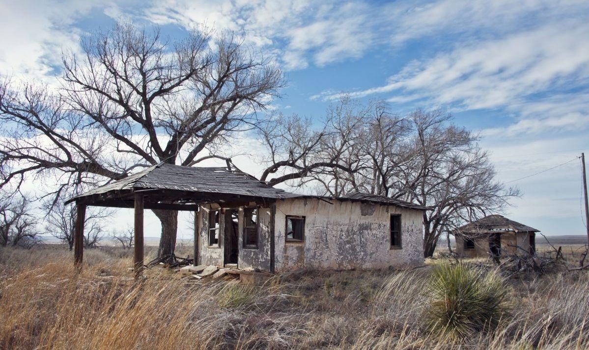 Glenrio, next to the TX-NM state line, USA