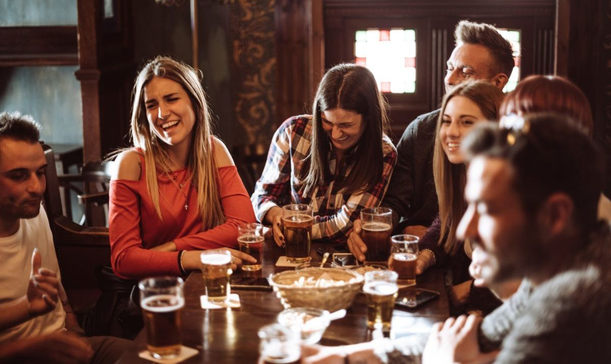Americans stick to one pub