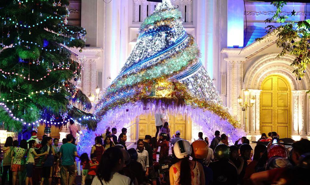ho chi minh vietnam christmas trees