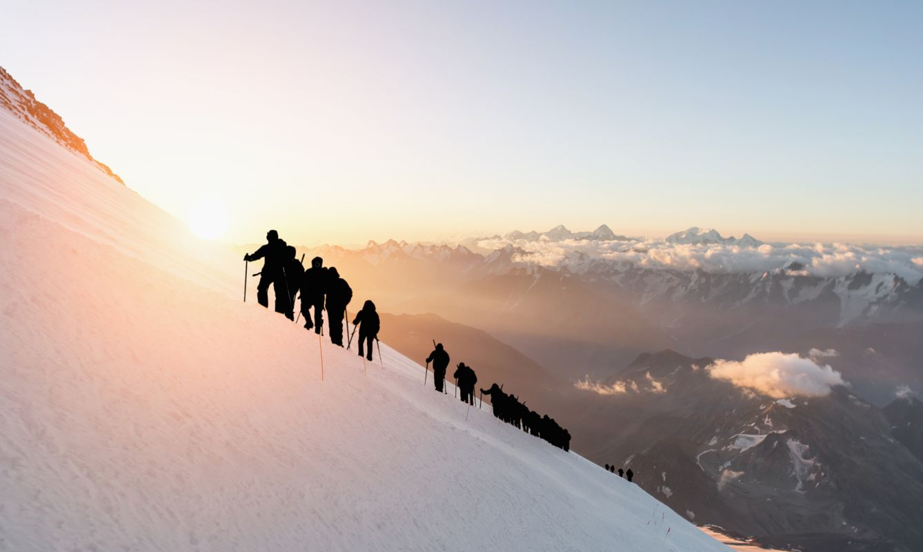 Elbrus, a group of climbers at dawn at an altitude of 5200m