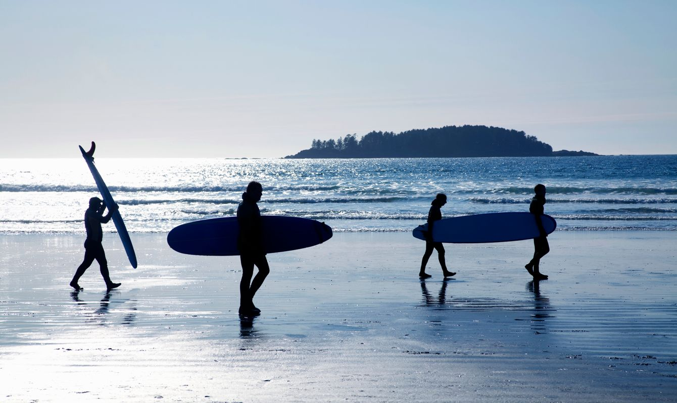 Pacific Rim National Park, surfers heading home after day of surfing