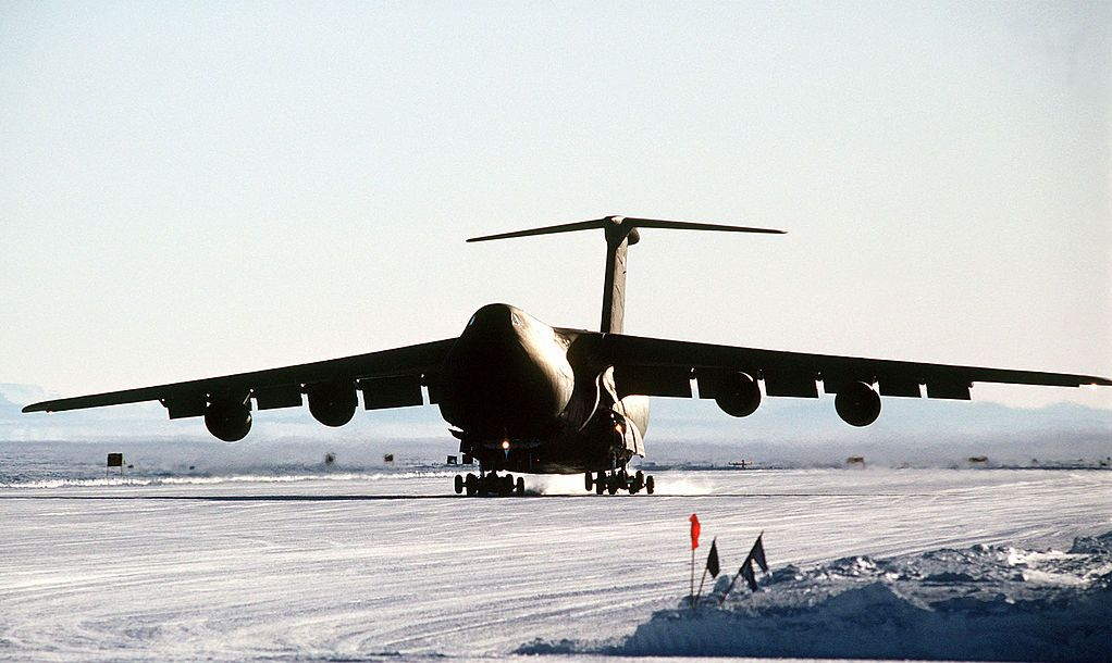 Galaxy aircraft lands on the ice runway near McMurdo Station during Operation Deep Freeze ''90. The Galaxy is the first such aircraft to land on the runway, which is over 10,000 feet long and was scraped from ice over eight feet deep.