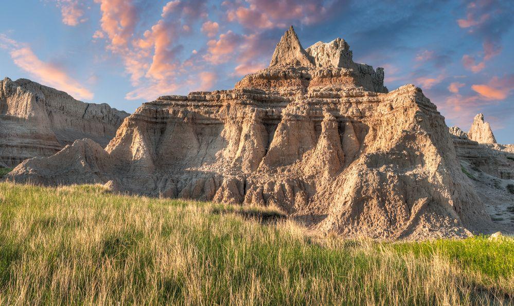 Castle Trail Dawn - Grass and Rock