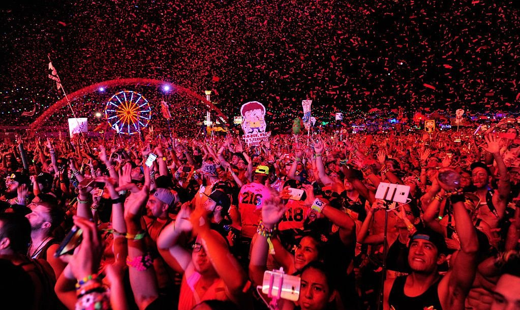 LAS VEGAS, NV - JUNE 19: Fans react to the performance of Alison Wonderland during the 20th annual Electric Daisy Carnival at Las Vegas Motor Speedway on June 19, 2016 in Las Vegas, Nevada.